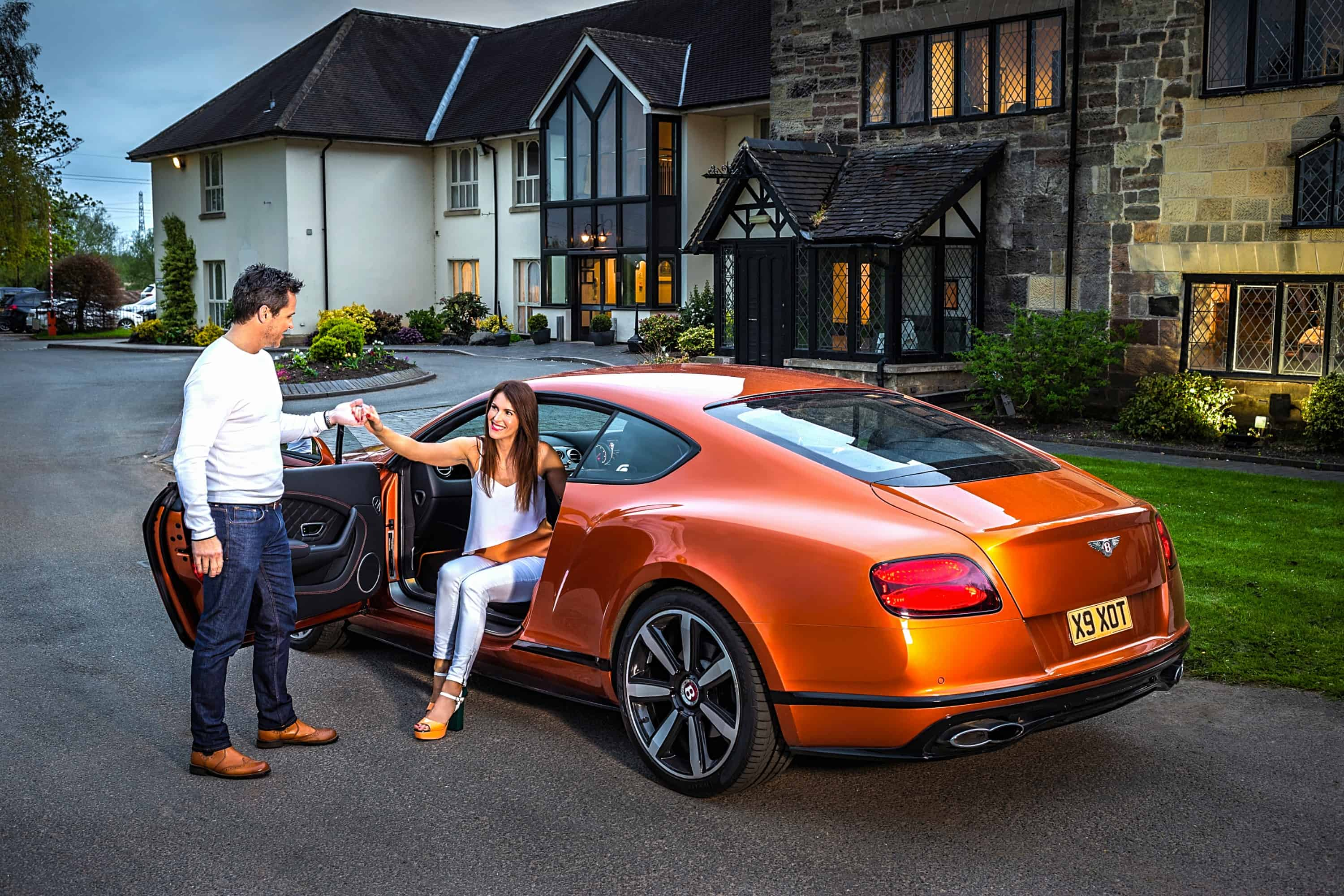 Bentley Continental GT Couple