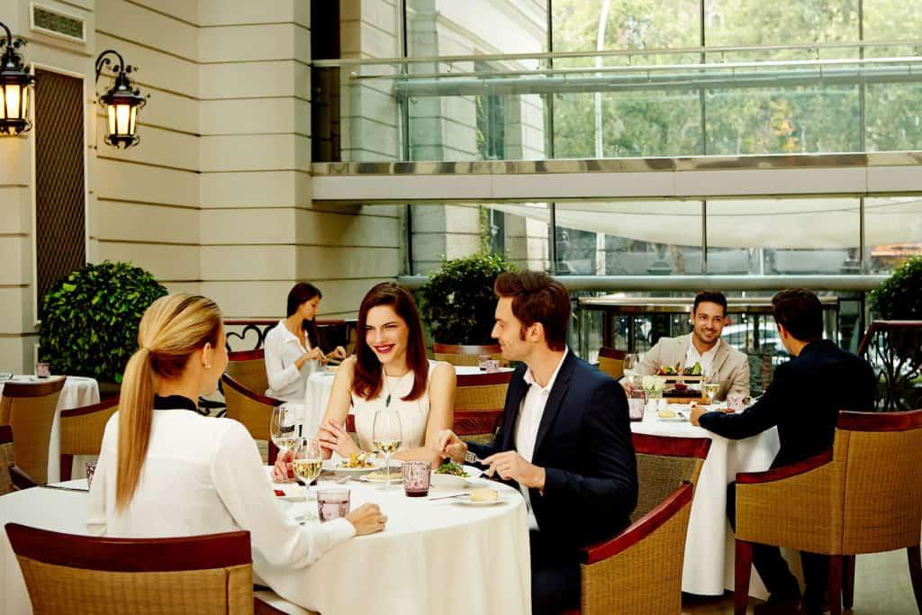 Corinthia Dining room daytime