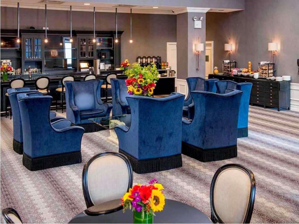 The Manhattan Club private lounge